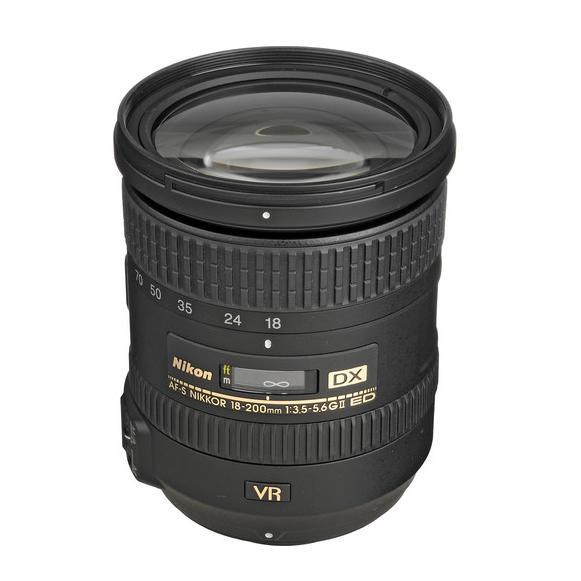 Nikon AF-S 18-200mm f3.5-5.6G ED-IF DX VR II